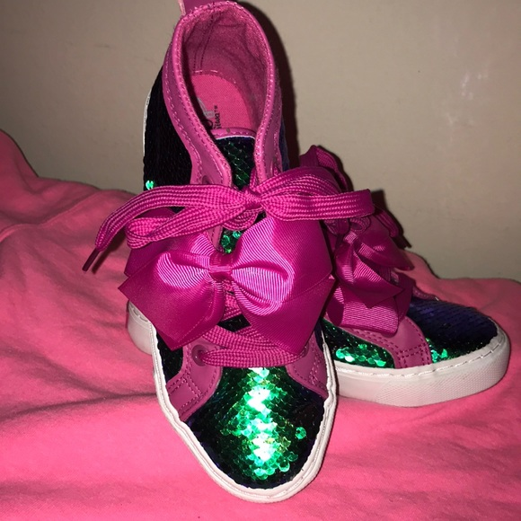 41c6bb92e56 Girls JoJo Siwa mermaid sequins shoes. M 5bc69c7a04e33d9bd5860baf